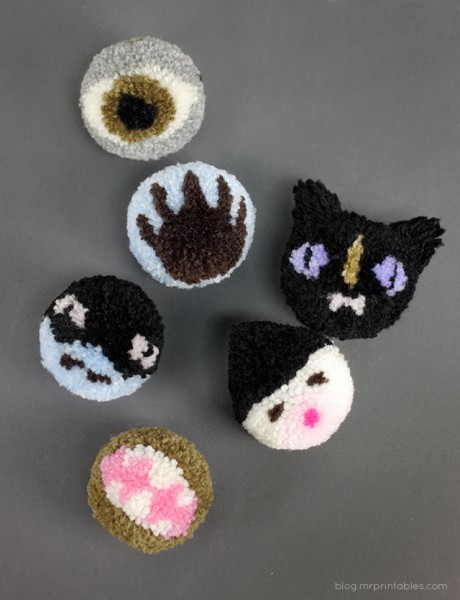 Halloween-character-pompoms-2