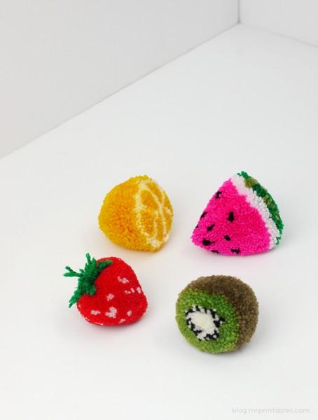 mrprintables-fruit-pom-poms-tutorial (1)